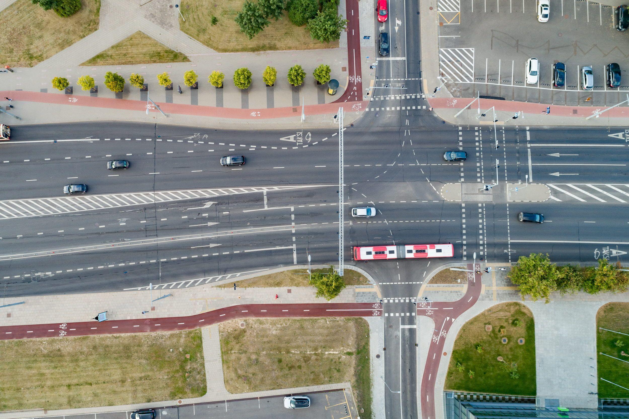 Vėlinių laikotarpis Vilniuje: dažnesnis viešasis transportas, papildomi maršrutai ir eismo pakeitimai